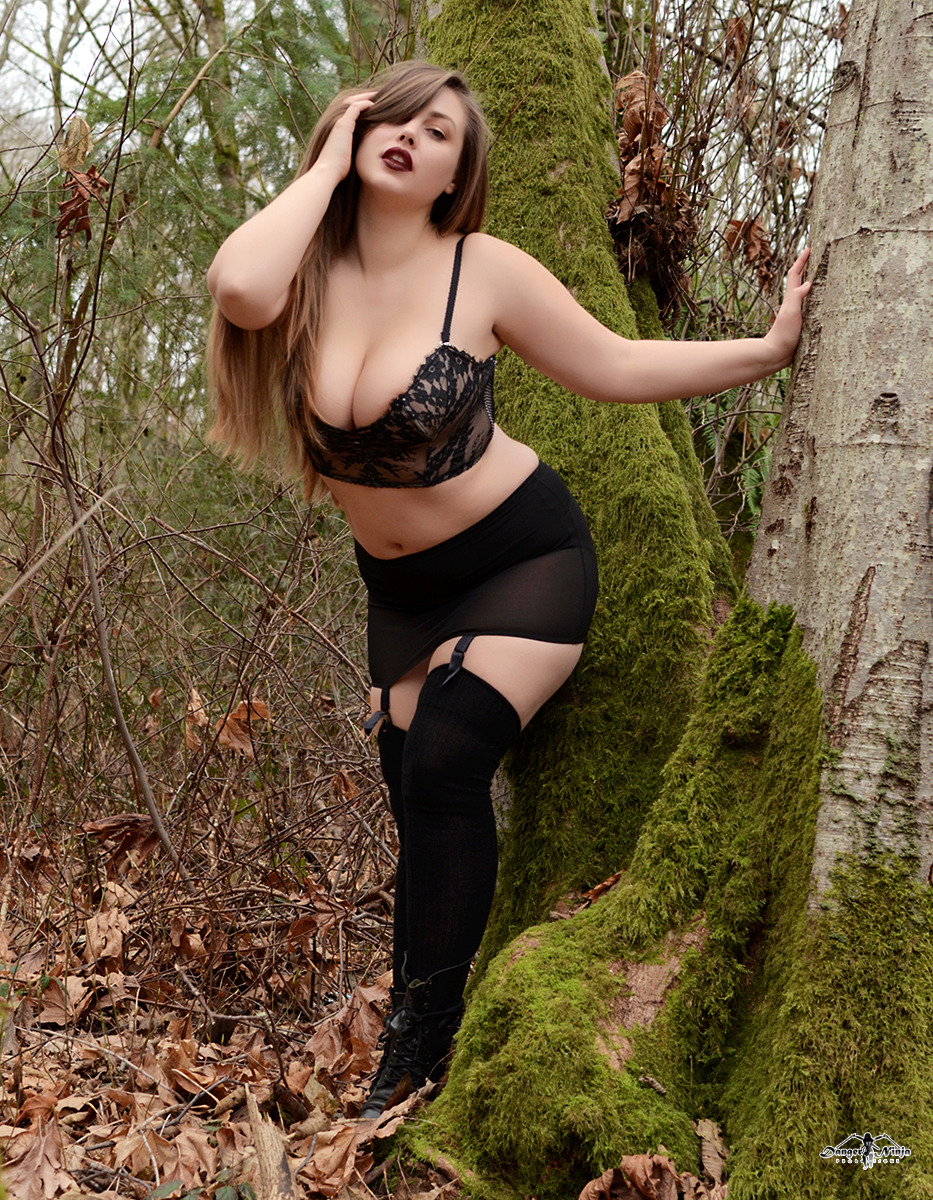Lillias Right11