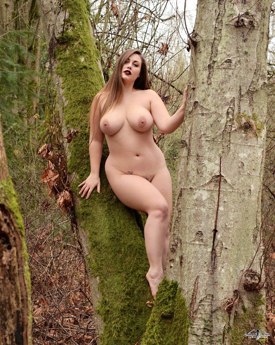 Lillias Right12