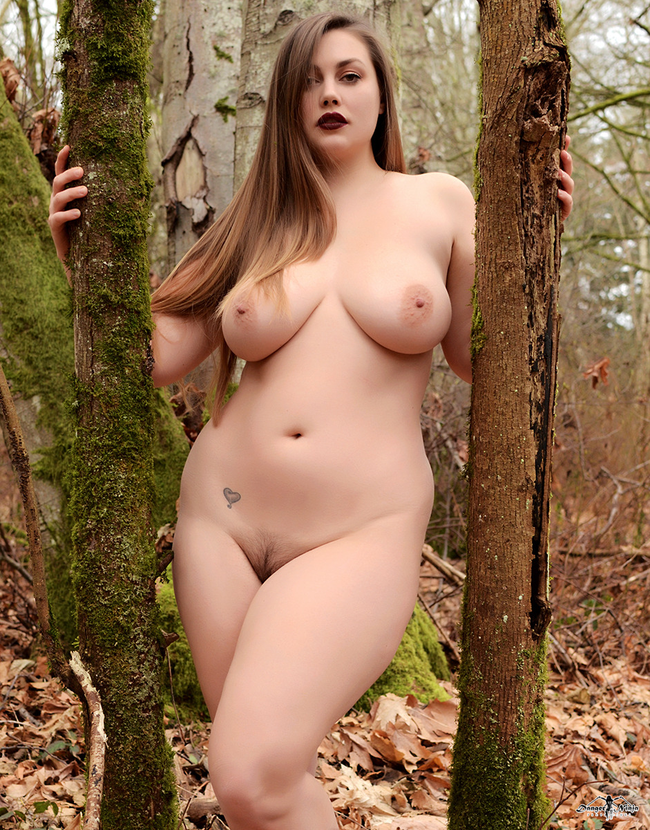 Lillias Right13