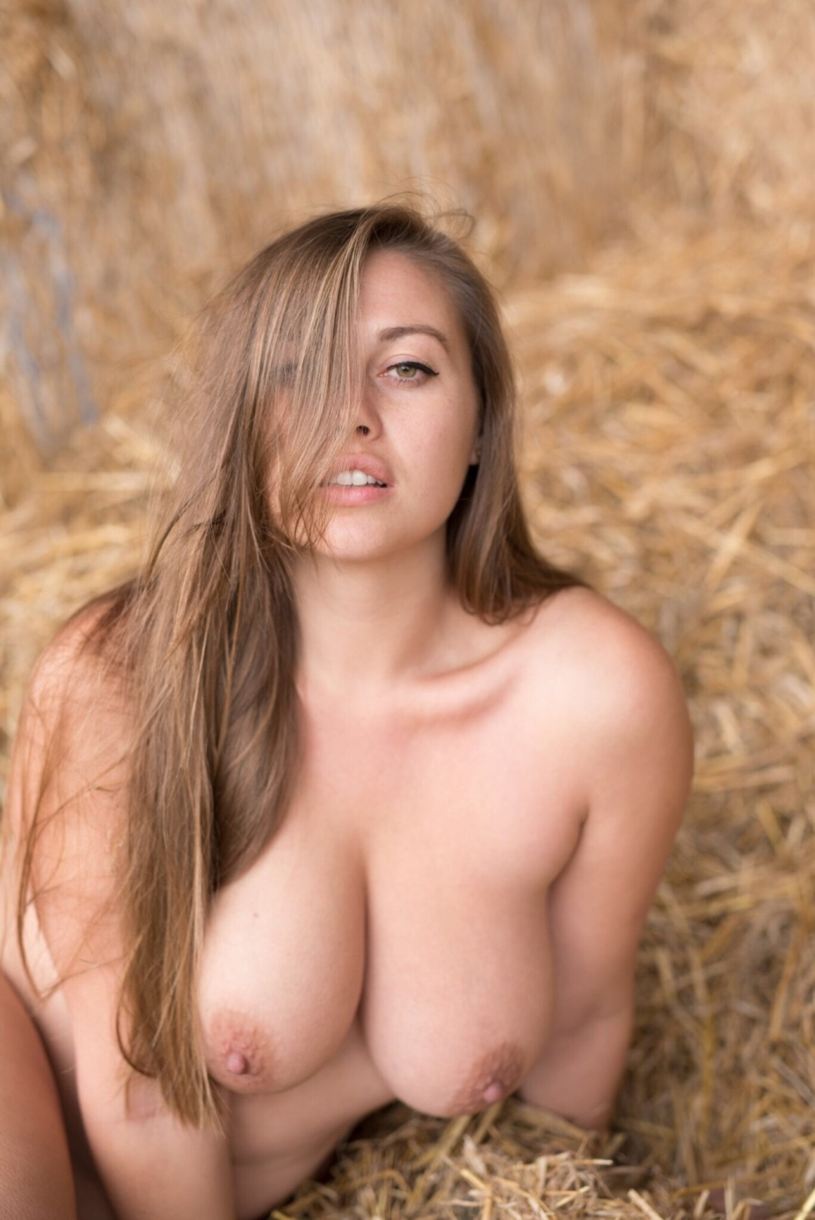 Lillias Right33